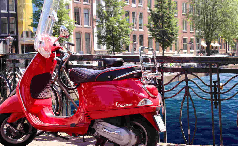aangereden door een scooter, ik ben aangereden door een scooter,schadevergoeding als je bent aangederden door een scooter